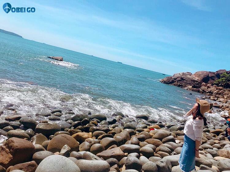 bãi tắm Hoàng Hậu khu du lịch Ghềnh Ráng Bình Định